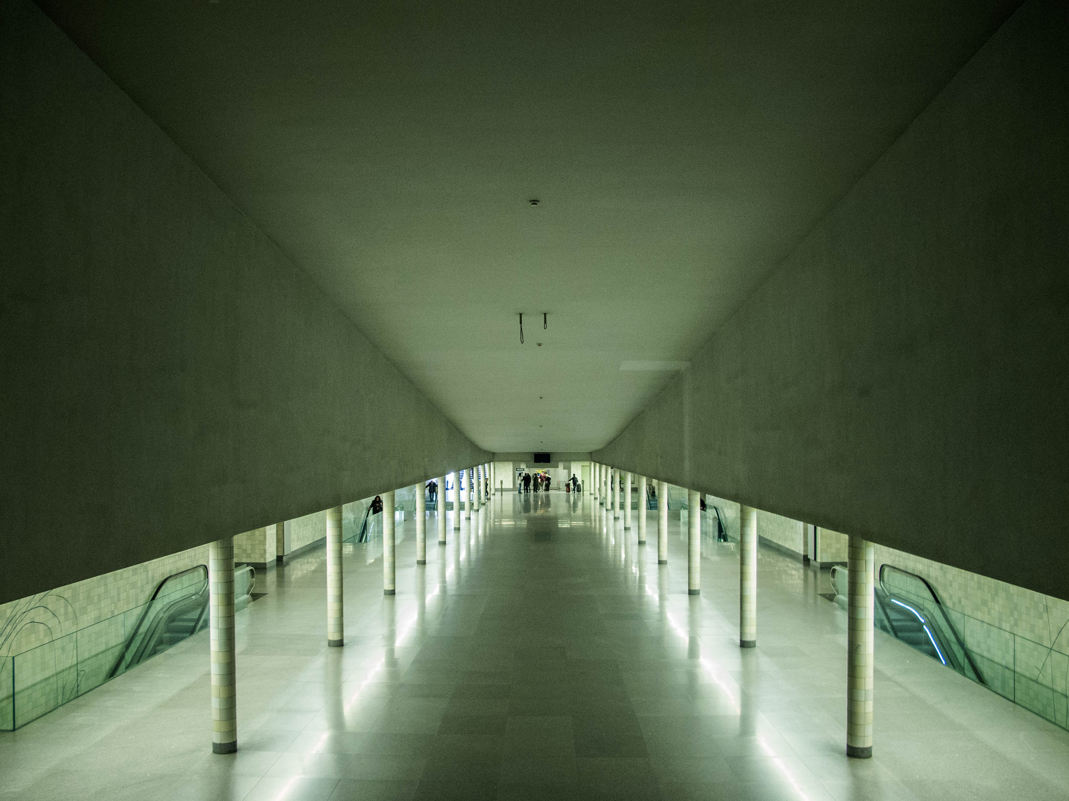 The hallway of a Pritzker Prize.