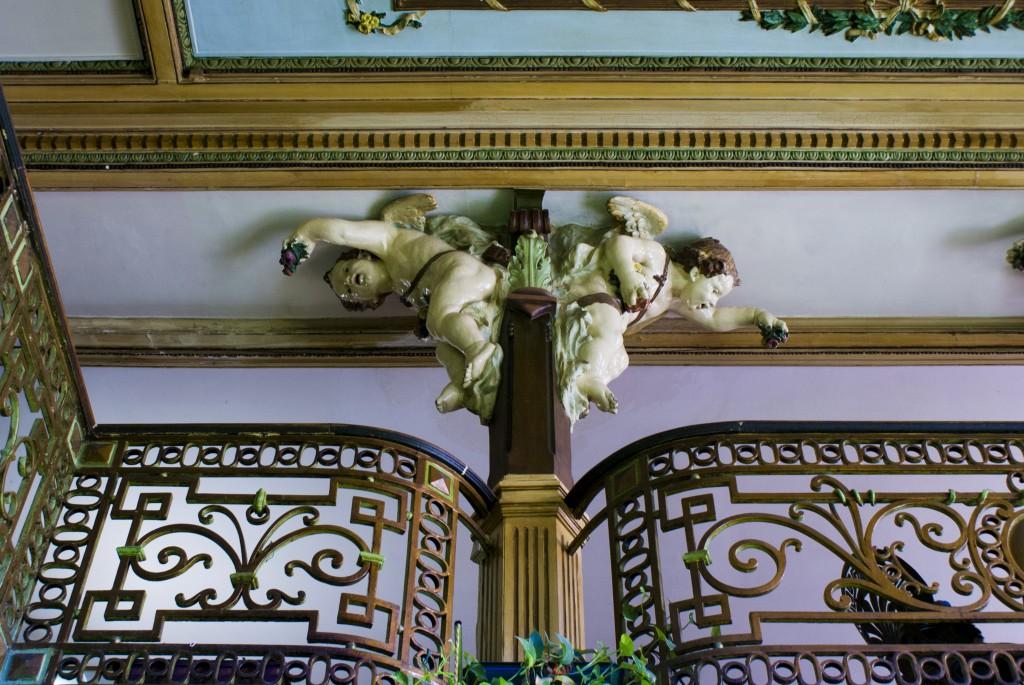 Esculturas de anjos de  José de Oliveira Ferreira