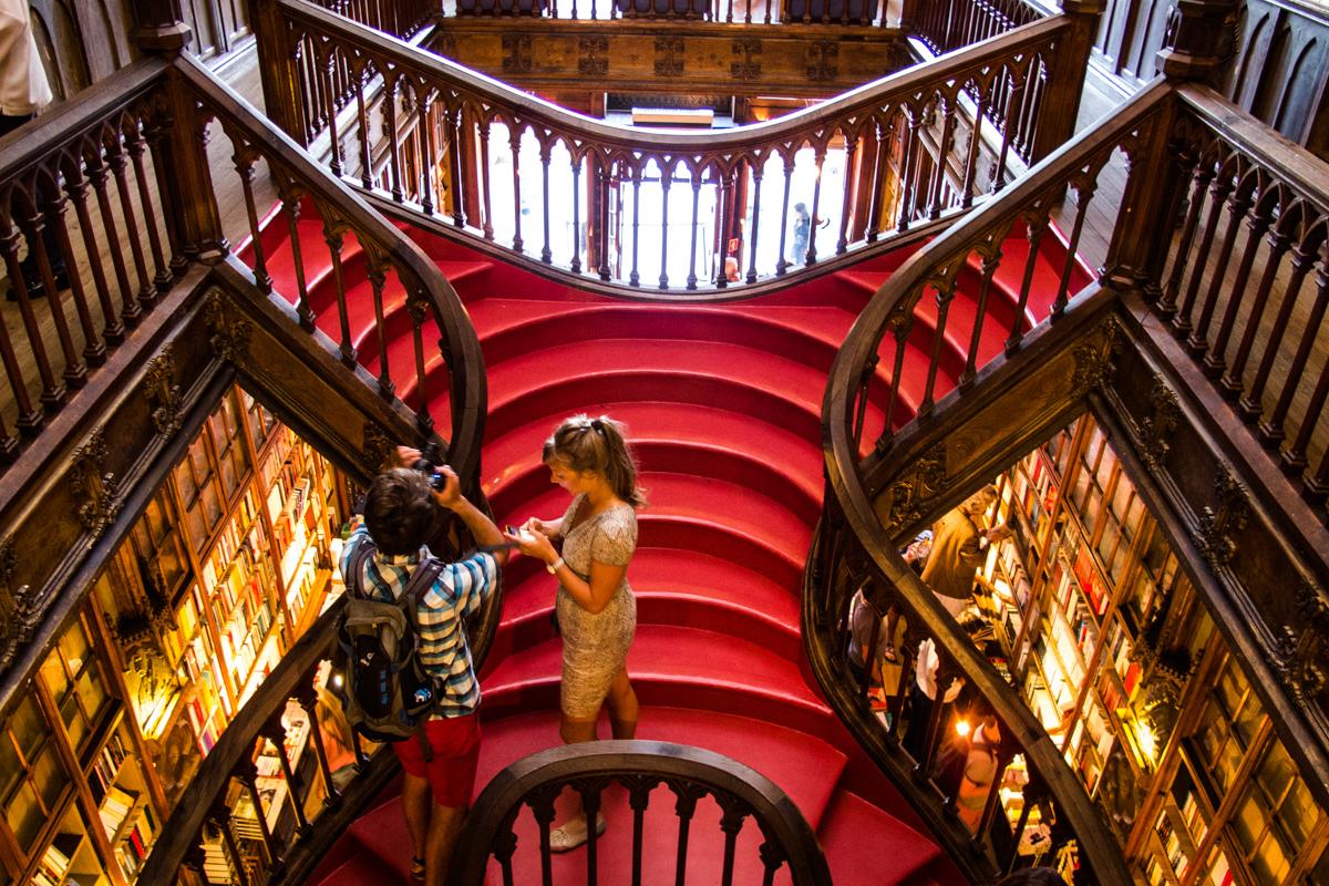 Escalinata de la Libería Lello