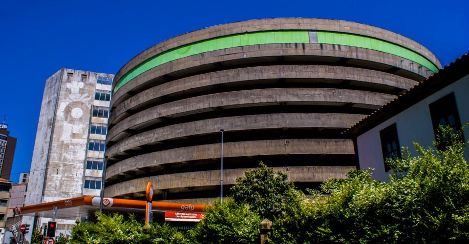O silo auto perto do Jornal de Notícias